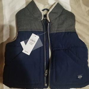 Baby boys Gap Cold Weather Vest 6-12 Mths